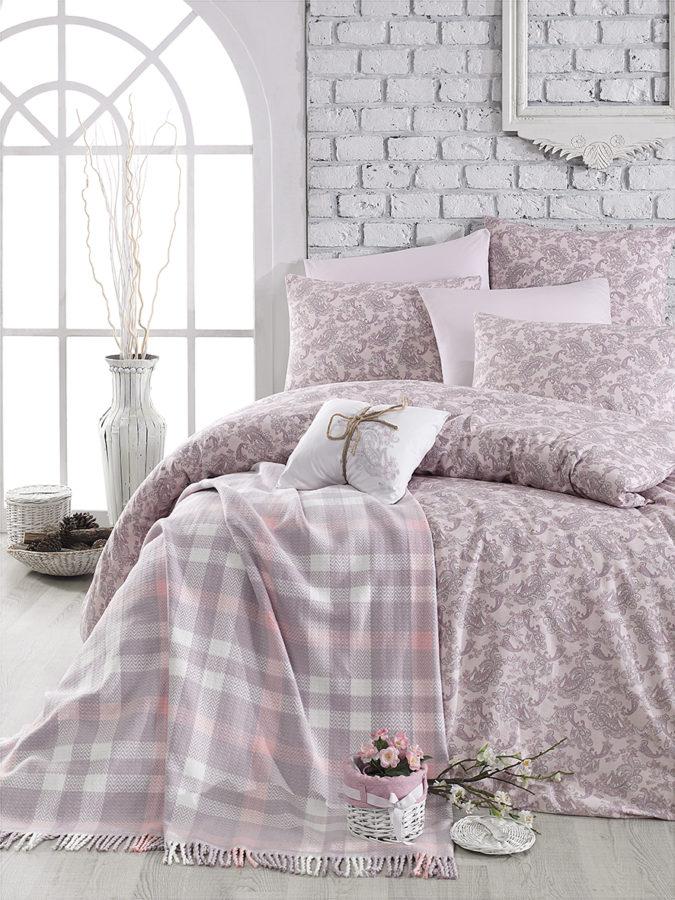 72squart pink